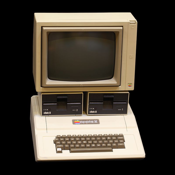 [Thumbnail for 800px-Apple_II_IMG_4212-(1).jpg]